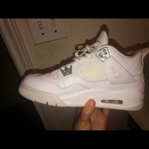 Jordan Shoes - Jordan 4 retro ( all white )